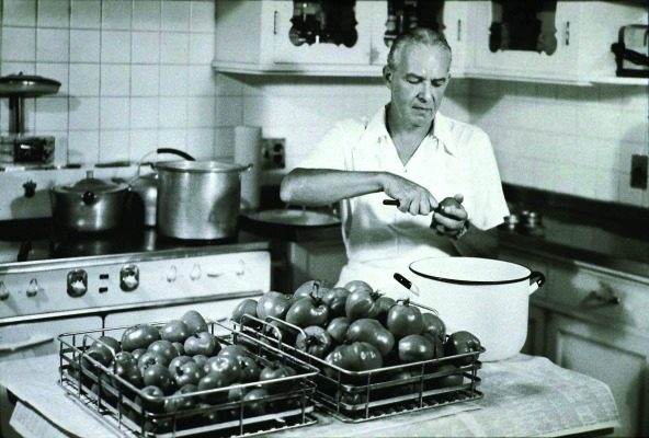 Gardening was a favorite pastime for Alfred and Lynn and the fruits of their labor can be seen with this bumper crop of tomatoes.