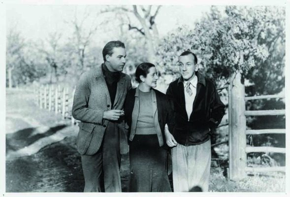 Many famous actors visited the Genesee Depot estate, including Noel Coward shown here with Alfred and Lynn.