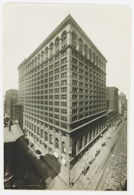 First National Bank of Chicago at Monroe Street and Dearborn Street, Chicago, Illinois, circa 1910.